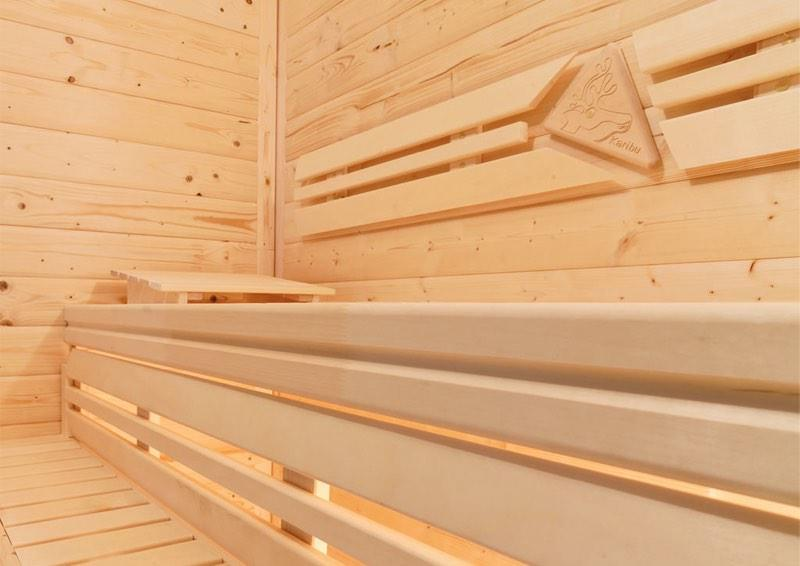 Karibu System Sauna Norin Classic (Fronteinstieg) 68 mm mit Dachkranz inkl. Biokombi-Ofen 9 kW ext. Steuerung