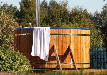 Wolff Finnhaus Badebottich Hot Tub Badefass - Ø200 cm inkl. Innen-Ofen und Zubehör